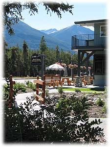 Mount Robson outdoor cafe