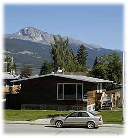 Elk Crossing Accommodation, Jasper, Alberta, Canada.